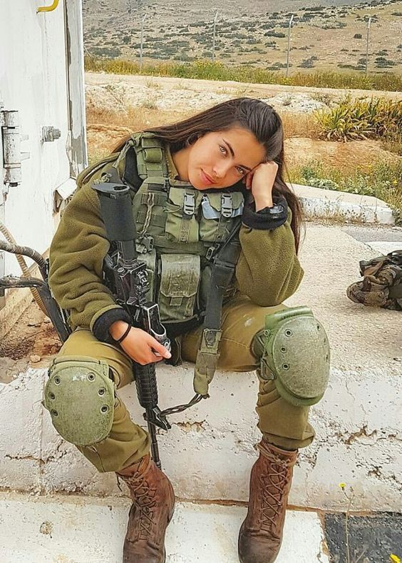 1 - 36 Badass Military Girls That Will Make You Want Women Register For The Draft