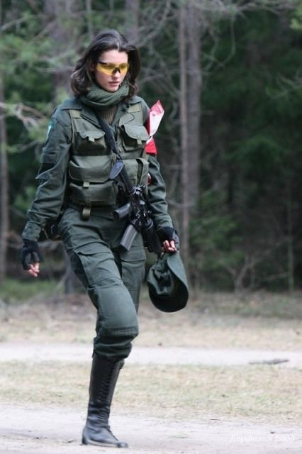 8 - 36 Badass Military Girls That Will Make You Want Women Register For The Draft
