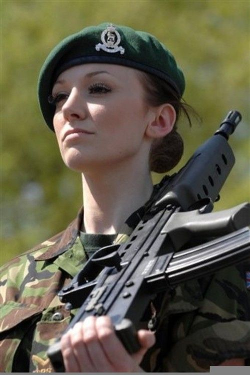17 - 36 Badass Military Girls That Will Make You Want Women Register For The Draft