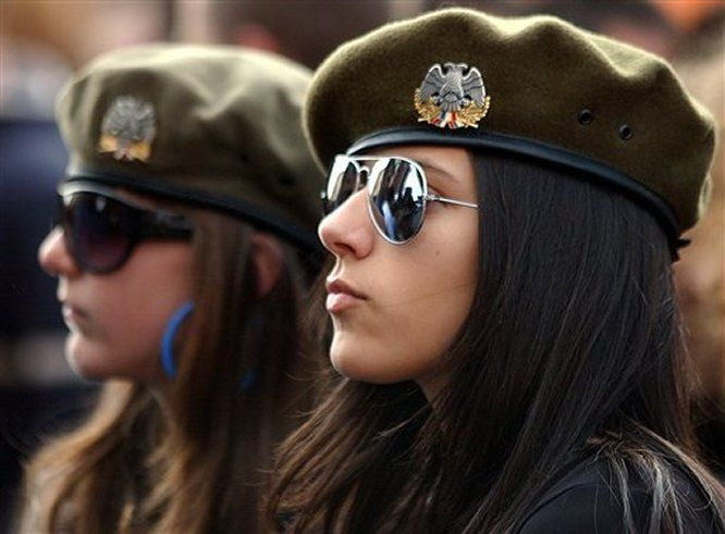 23 - 36 Badass Military Girls That Will Make You Want Women Register For The Draft