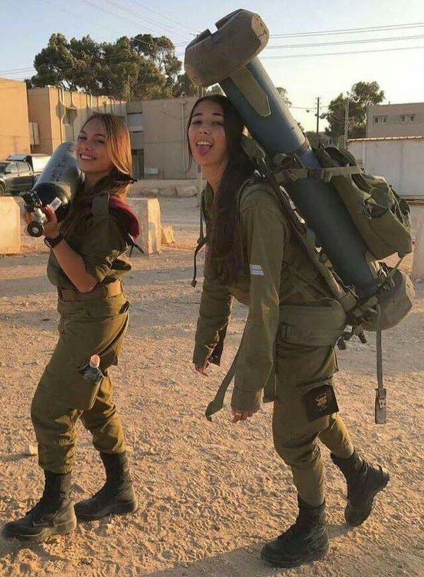 29 - 36 Badass Military Girls That Will Make You Want Women Register For The Draft