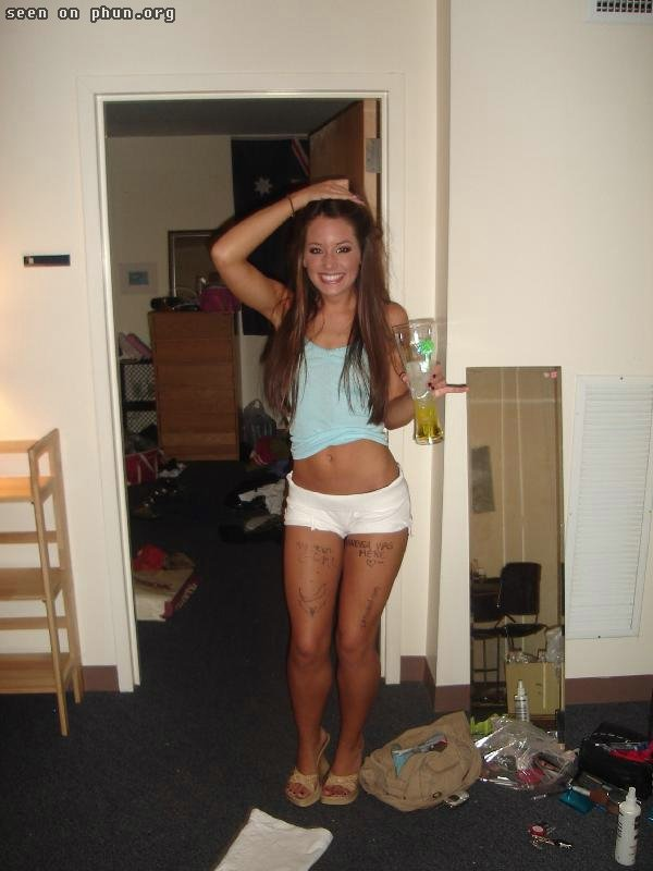 College chick drunk and nude, nude ass cheek pictures