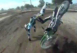 Good Guy Dirtbiker Helps Out After Crash
