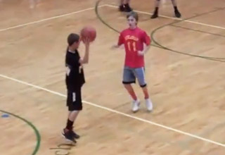 Kid Makes Amazing Last Second Shot