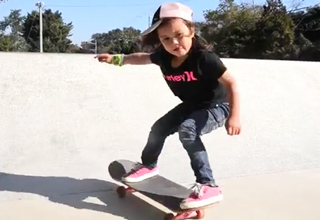 5 year old skater girl