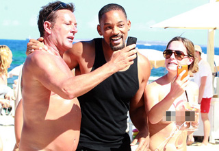 will smith meeting two naked fans