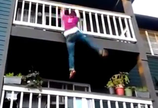 Perfect Demonstration of How Not to Climb Down a Balcony