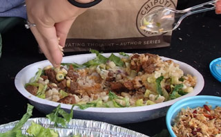 Girlfriend Gets Revenge With Chipotle Maggot Prank