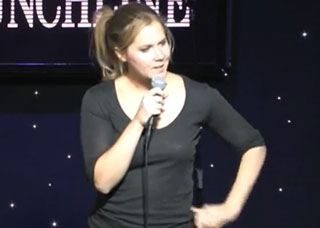 Amy Schumer Shuts Down Heckler