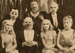 19 Creepy Photos That May Cause Nig