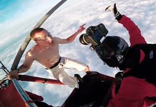 Guy Jumps Out Of A Hot Air Balloon Without A Parachute