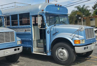 Guy Turns Old Junky Bus Into Bachelor Superpad