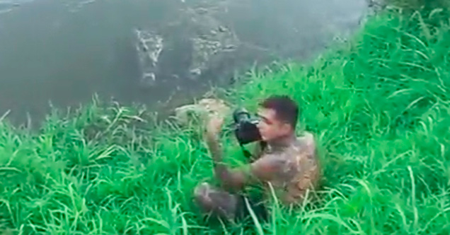 Dumbass Almost Gets Eaten by Crocodiles