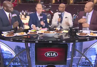 table of announcers including shaq and charles barkley