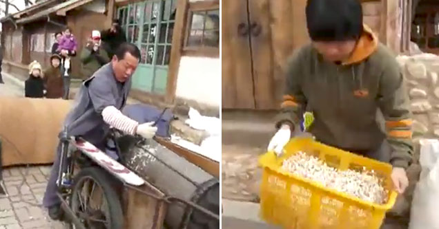 popcorn maker on the street is insane