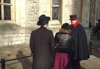 woman shamed after messing with the queens guard