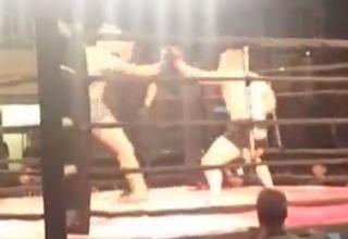 mma fighters start fight