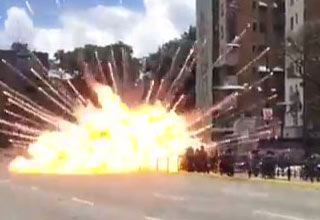 Raw Footage of The IED Attack on Venezuelan Police