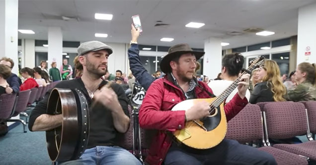 irish bands helps pass the time during a delayed flight