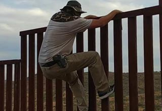Man Demonstrates A Huge Design Flaw With The New Border Wall