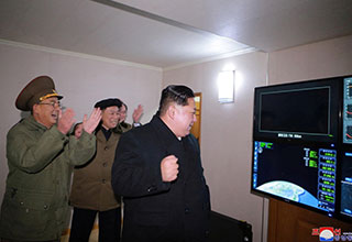 Welcome to the eBaum's World Photoshop Contest #109 - Fist Pump Kim