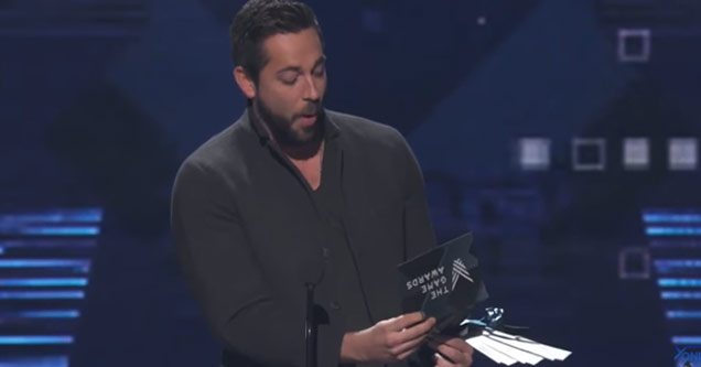 Presenter Roasts EA At Gaming Award Show