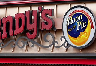 wendy's sign with moon pie