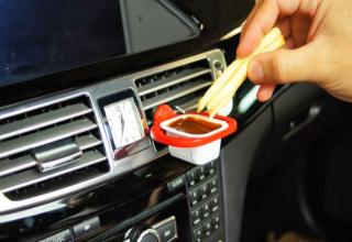 Sauce holder for your car