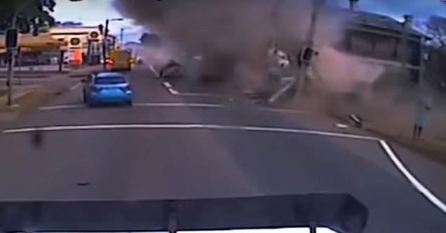 semi truck crashing
