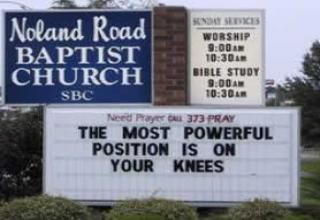 MORE FUNNY CHURCH SIGNS: GOD ANSWERS KNEE-MAIL - Gallery