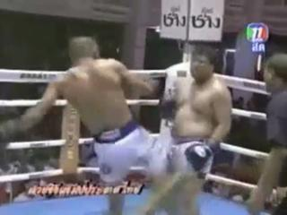 Funny Thai Kickboxing Match view on ebaumsworld.com tube online.