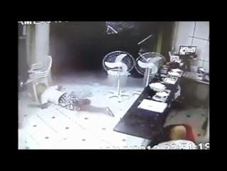 Brazilian Thieves Go To Paradise view on ebaumsworld.com tube online.