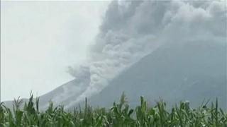 Volcano Errupts in Equador view on ebaumsworld.com tube online.