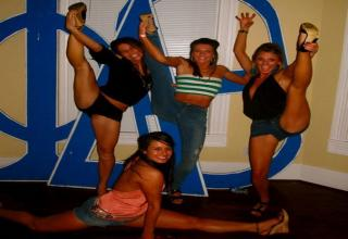 girls spread eagle picture gymnast picture gymnast legs spread open ...
