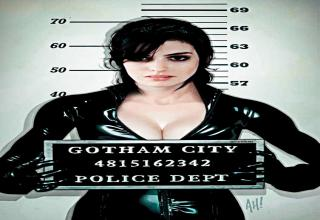 Anne Hathaway is New Cat Woman