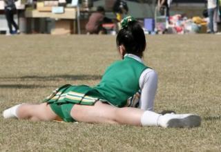 Cheerleader Splits Legs Wide Open Picture