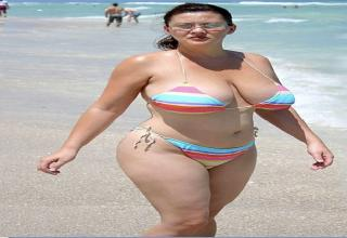 GranniES BUSTY BEACH