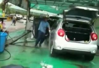 Working At The Car Wash, Yeah. view on ebaumsworld.com tube online.