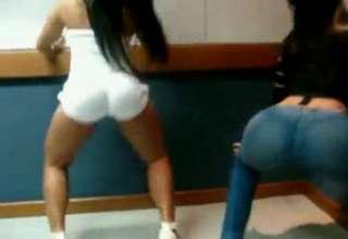 Brazilian booty shaking view on ebaumsworld.com tube online.