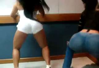 Ass shaking teen - Girls and Videos - Free hot and sexy.
