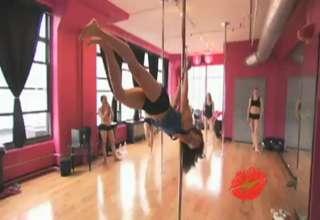 crazy pole dance view on ebaumsworld.com tube online.