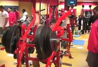 49ers Weight Room Tour (9:39)
