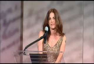 Kim Delaney escorted offstage over speech view on ebaumsworld.com tube online.
