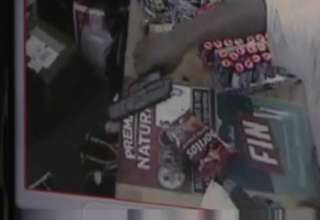 Robber Busted By His Own Mom view on ebaumsworld.com tube online.