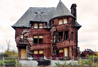 In their book The Ruins of Detroit, Yves and Romain photograph abandoned buildings, offering a chilling look into a city in decline.