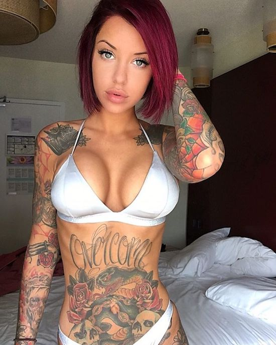 Hot tattooed babe with nice tits