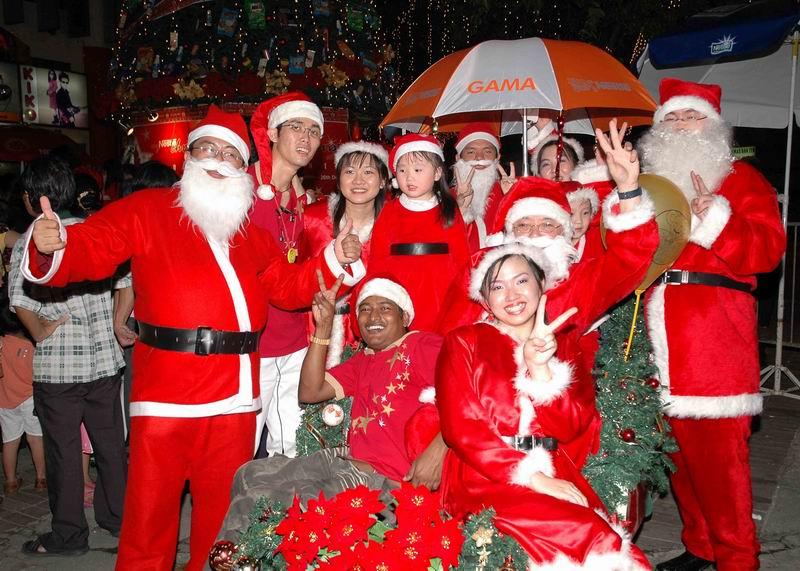 Can Muslims Celebrate Christmas.Muslims Celebrating Christmas Gallery Ebaum S World
