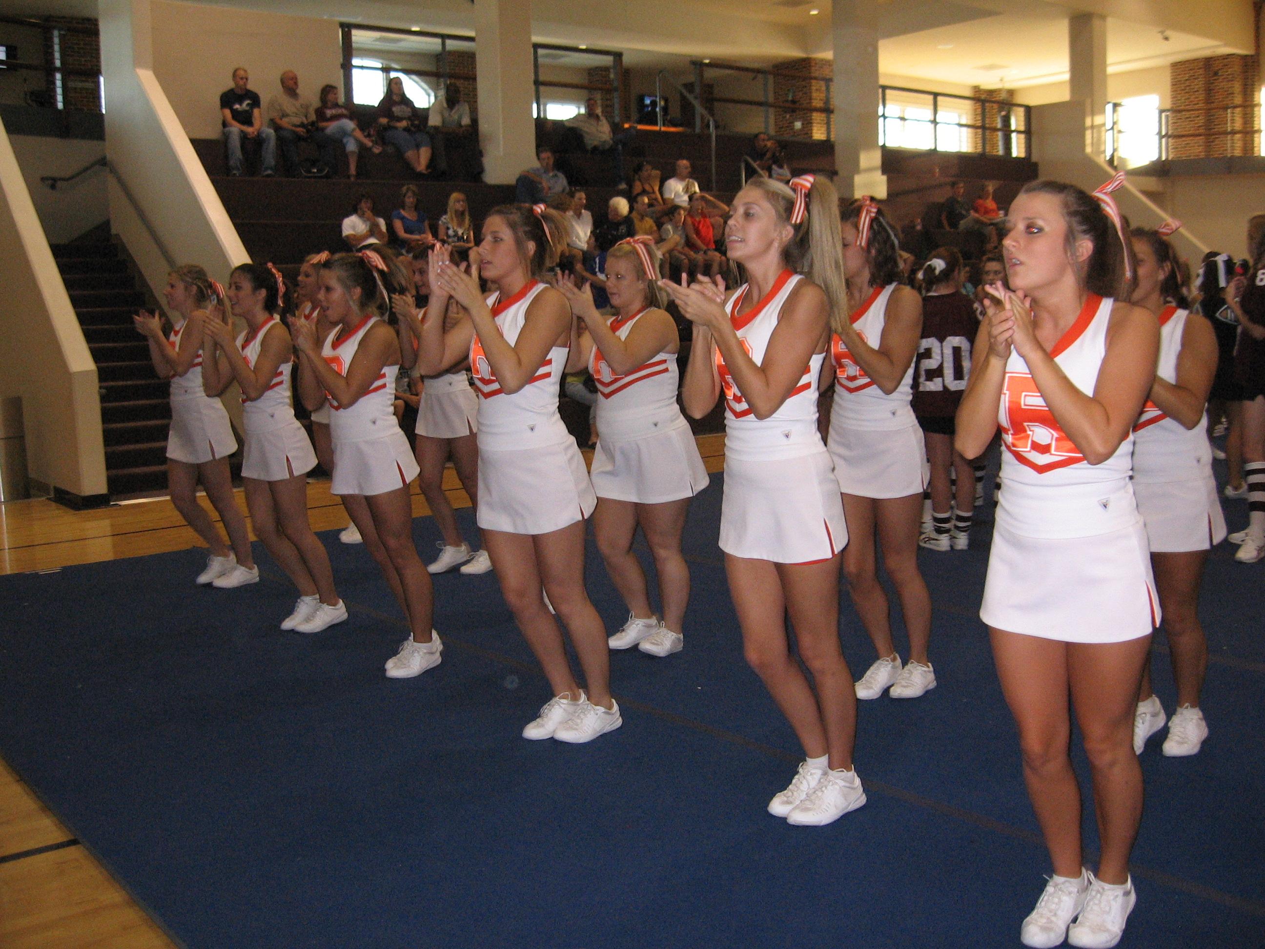 High School cheerleaders 1 - Gallery   eBaums World