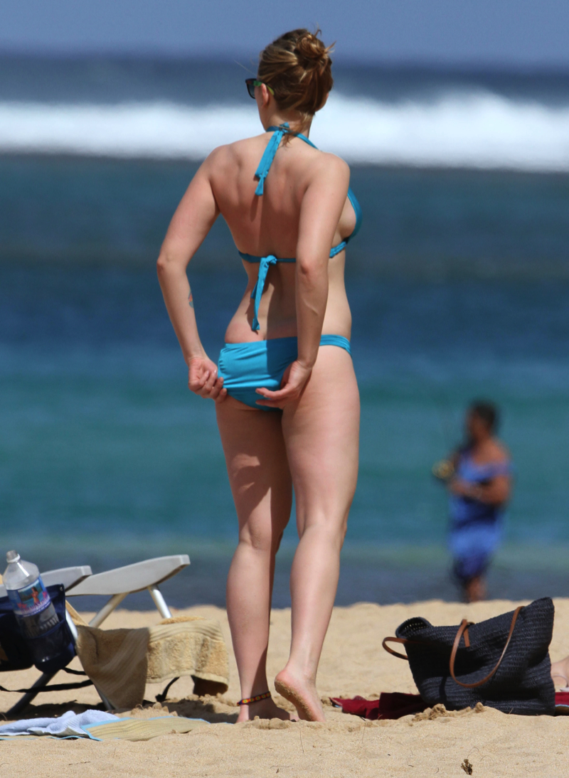 Scarlett johansson pics bikini