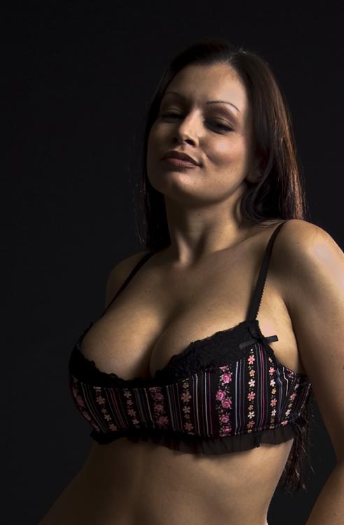 Xxx porno tube Handjob on girls belly